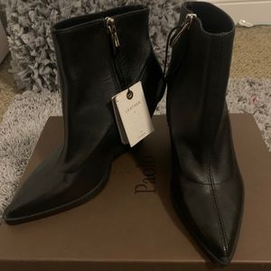 Black pointy toed booties